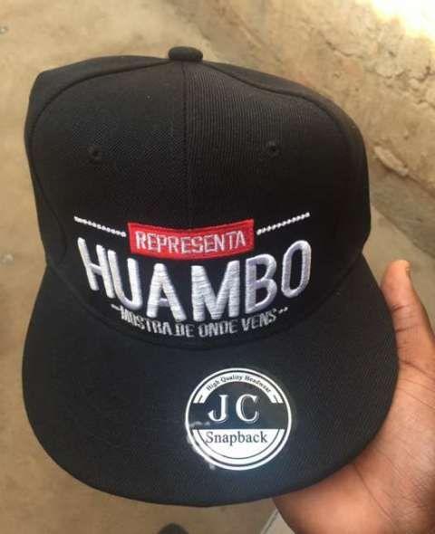 Chapeu represento Huambo cor preto