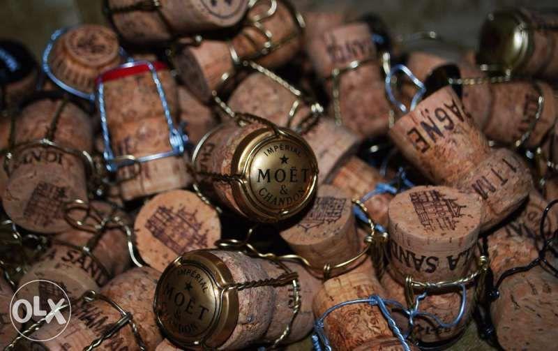 Продавам коркови и стъклени тапи от вина и шампанско, всякакви видове! гр. София - image 1