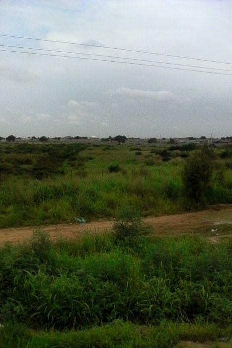 Fazenda de 1000 hectares no Kwanza Norte que passa Rios