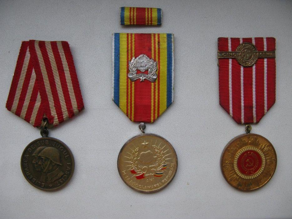 Lot insigne si medalii