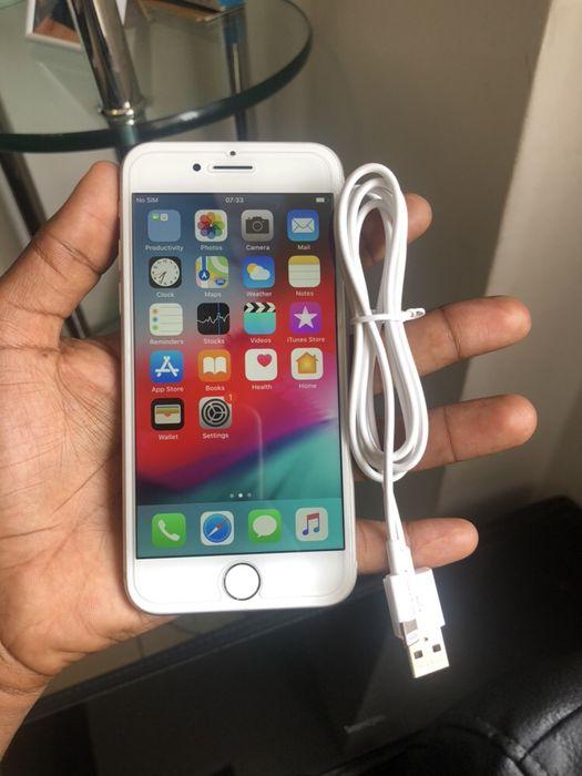 Telemóvel limpo e novinho a venda IPHONE 8 64GB
