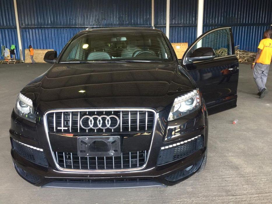 Vende-se Audi Q7