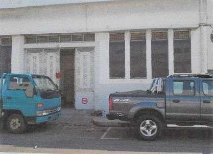 Vende-se Armazém de 381m2, na baixa da cidade de Maputo, 2 WC, 2 piso