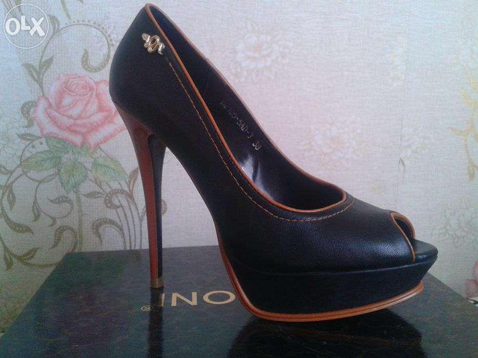 Продам туфли 38-39 размер.