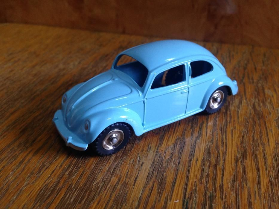1/43 DINKY TOYS ATLAS 181 VW Beetle