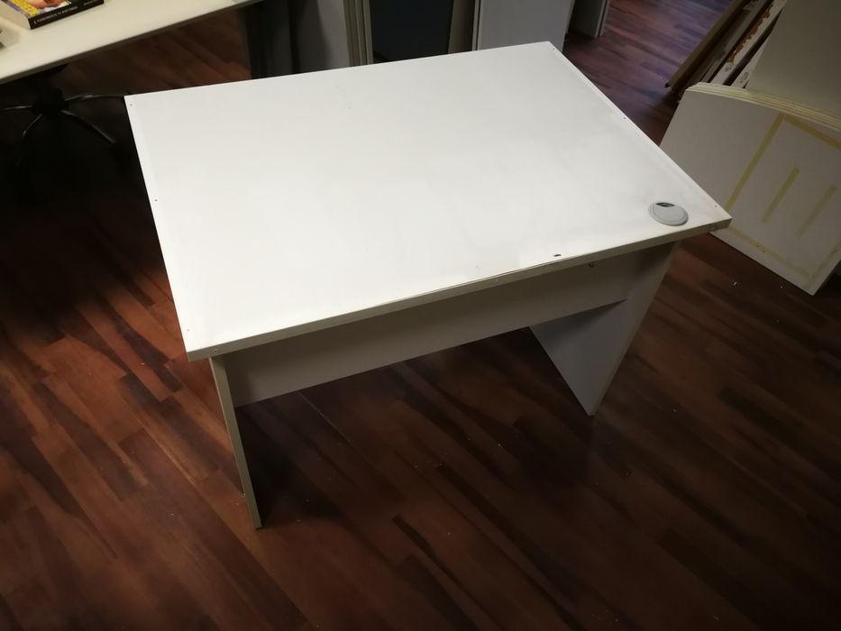 Малко бюро