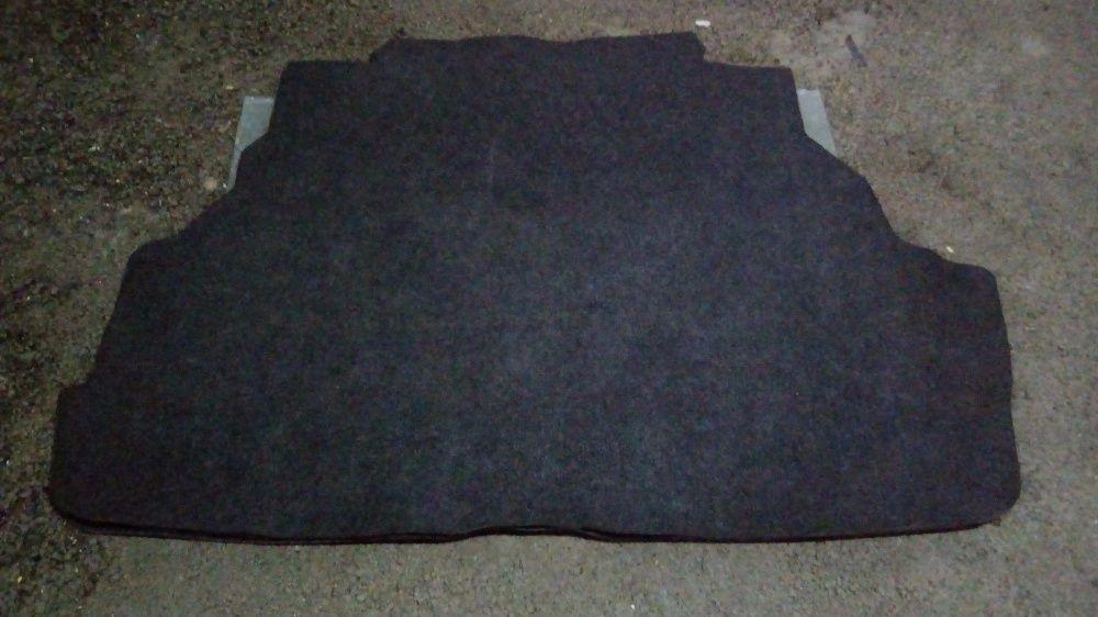 Продам коврики (полики) родной багажника на Toyota Windom MCV20-21