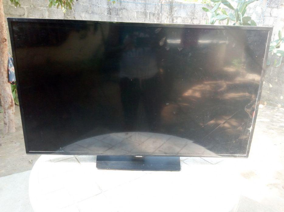 "TV Samsung 40"" Smart"