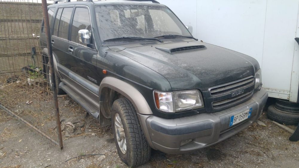 Dezmembrari Isuzu Trooper 2005 4x4 3.0 diesel cut man TotalDez