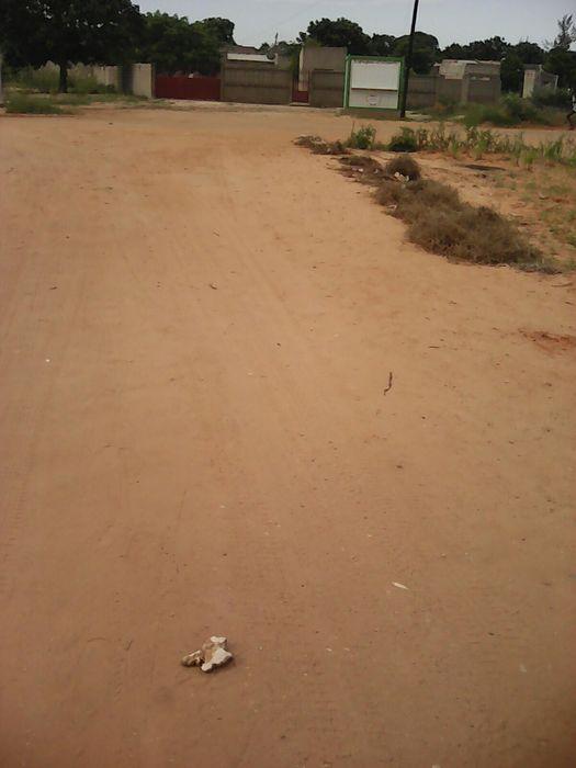 Vendo terreno de 20/40 no Intaka proximo 5mil casas
