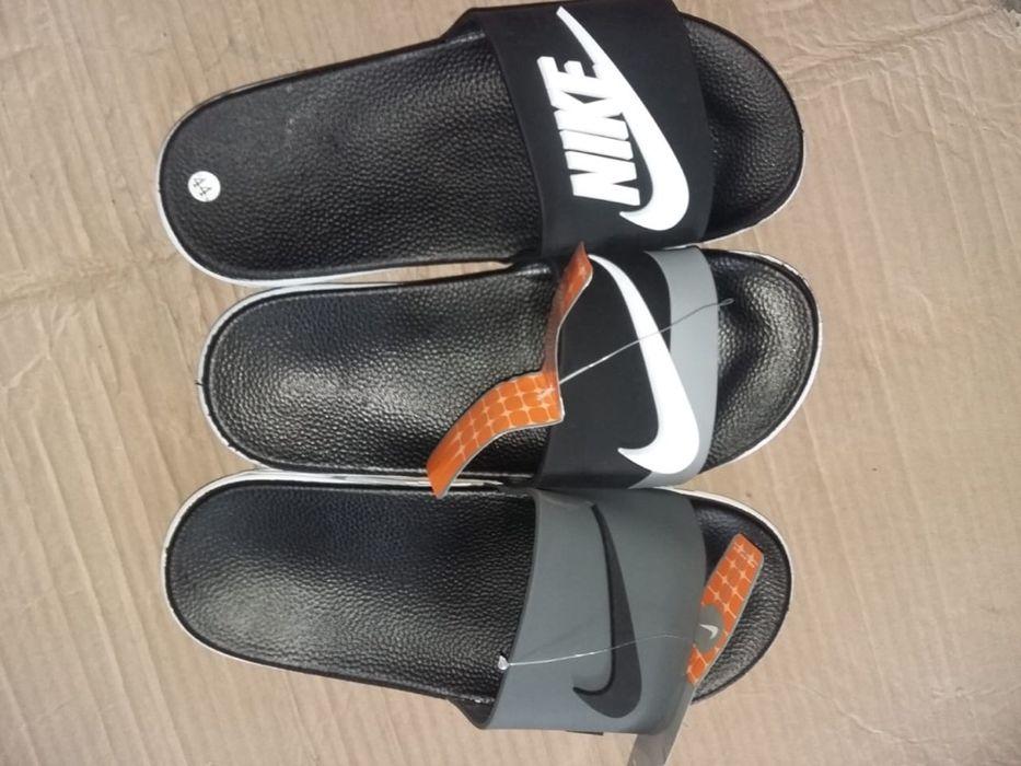 Vendo chinelos