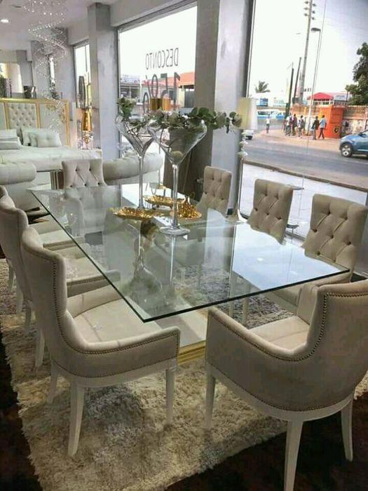 Vende-se Mesa de 8 cadeira em promoção gosto ligue
