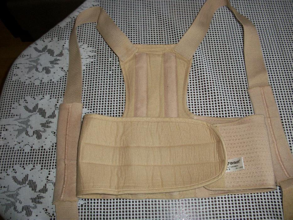 коректор за гръбначния стълб при изкривявания при деца