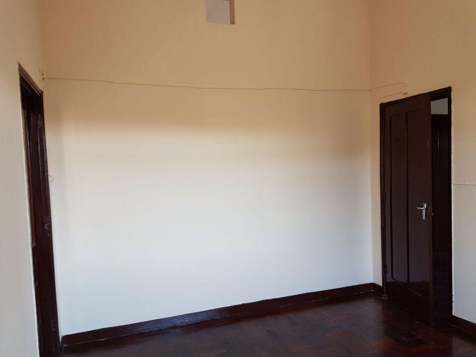 Vende-se apartamento T2 no Alto-mae Jardim dos Madjerman