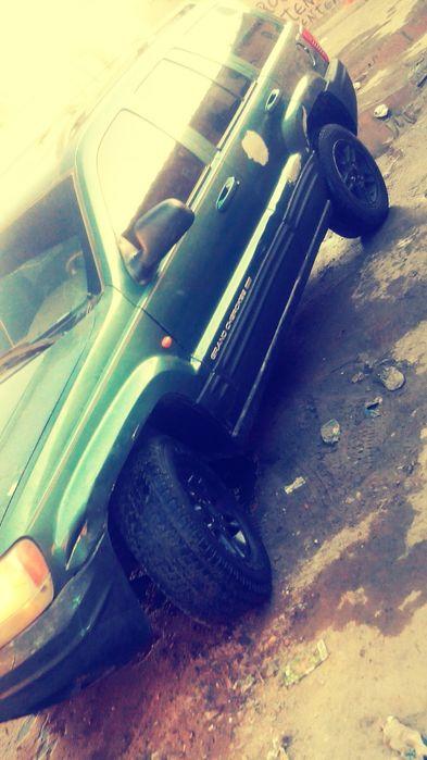 aproveita o Jeep cherokee