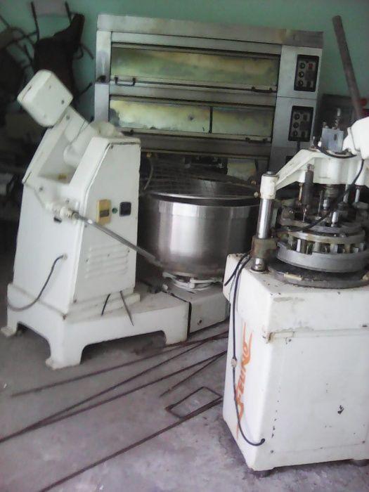 Vendo Maquinaria completa da padaria com 2meses de uso.