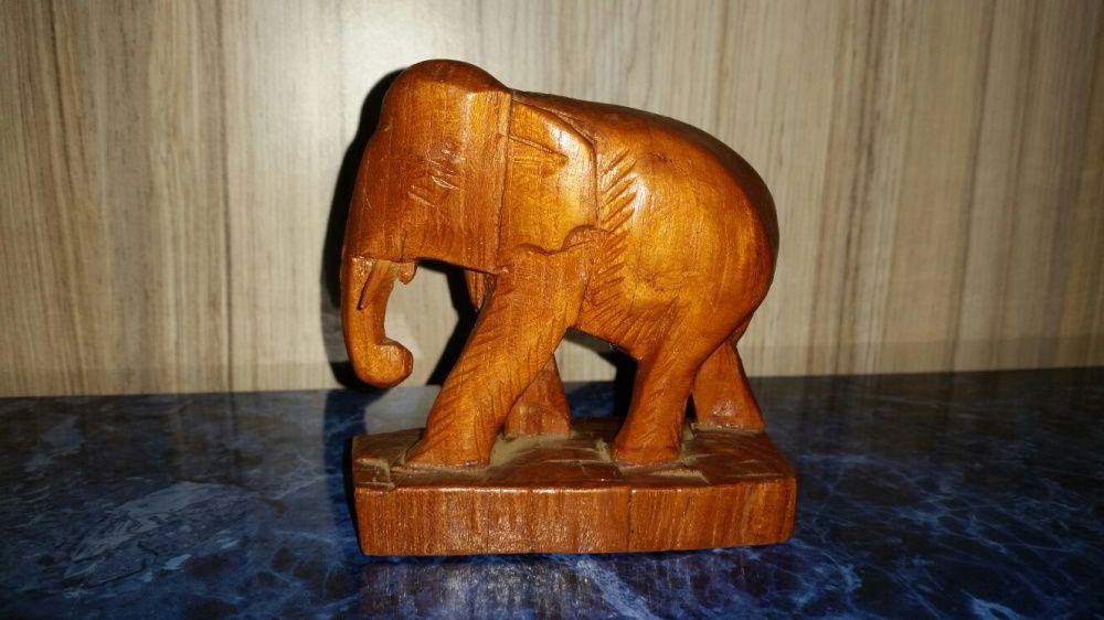 Statuieta lemn