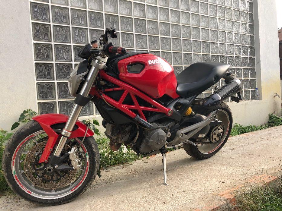 Mota Ducati Monster 1100