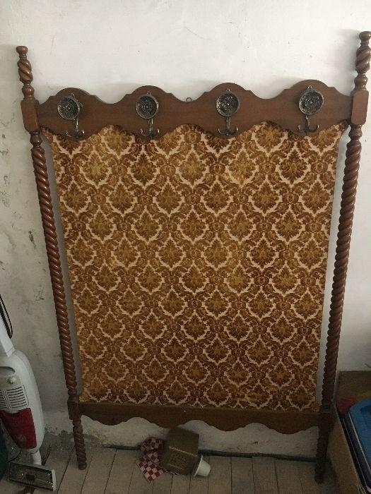 Vând mobila antica