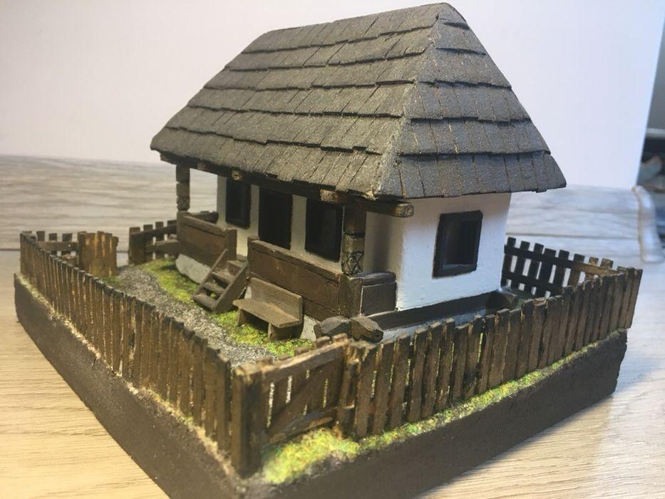 Macheta casa tradiționala din lemn