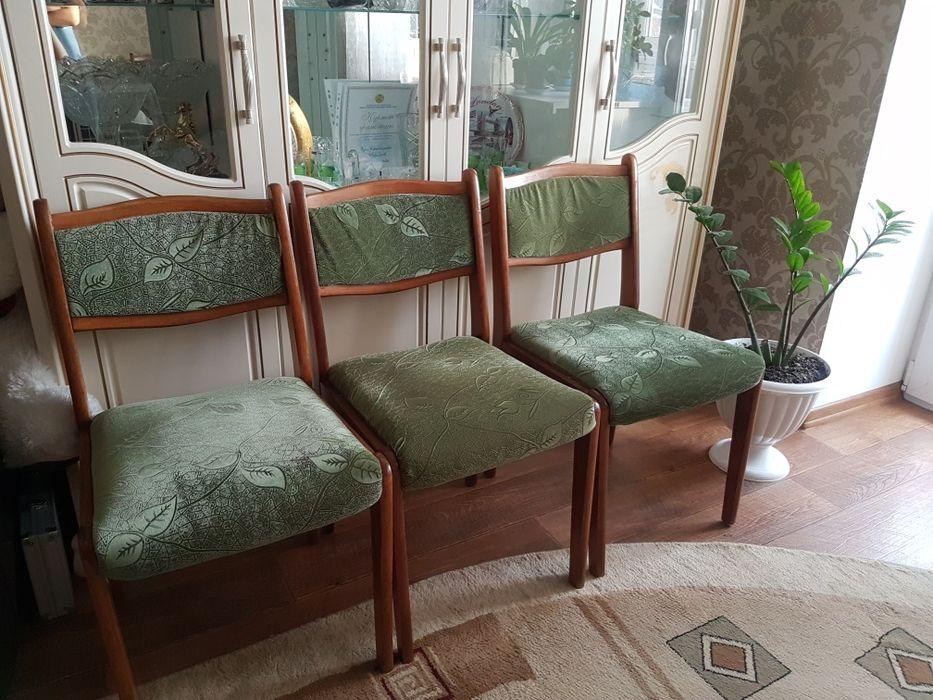 Продам стулья 6шт в хорошем состоянии