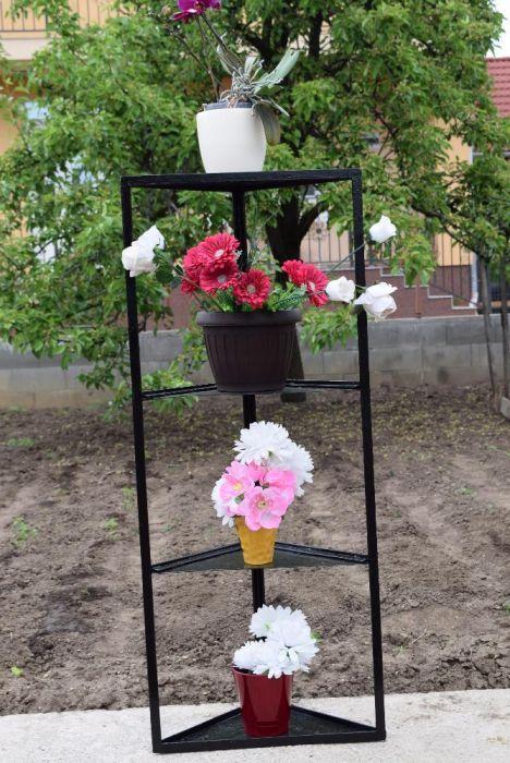 Coltar Suport Flori din fier