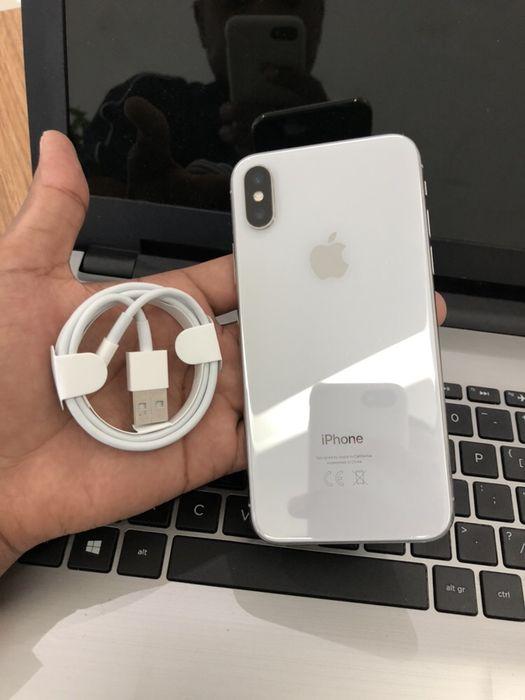 iPhone X(10) Branco 256GbGB super Novo com cabo aceito diferença