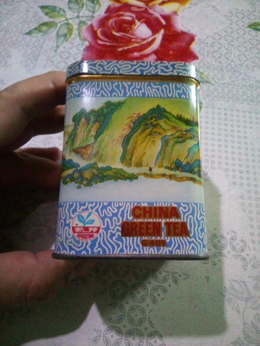 Стара метална китайска кутия за чай