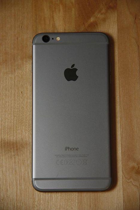 Apple iPhone 6 32GB de memória.