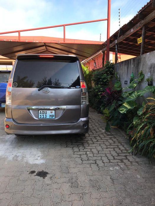 Toyota Voxy/Noah