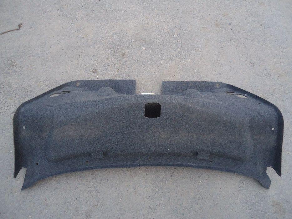 Обшивка крышки багажника на MB W210 седан