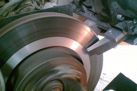 Проточка тормозных дисков со снятием и без