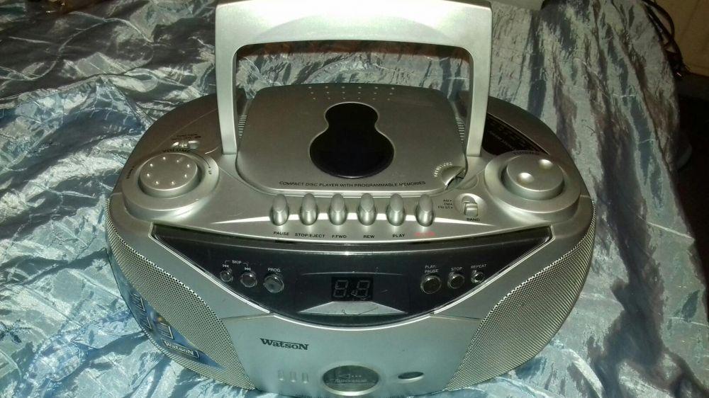 Radiocasetofon cu CD player defect Watson RR5888 si Adyson RCD1009RZ