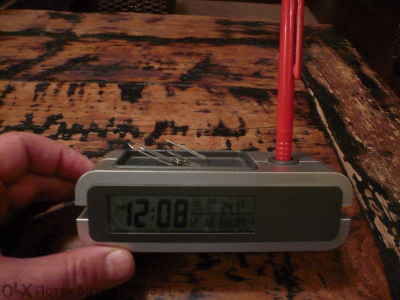 часовник с будилник и термометър настолен