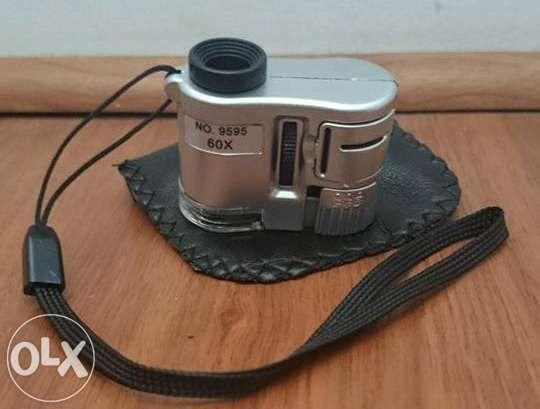 Мини микроскоп с диодно осветление 60x