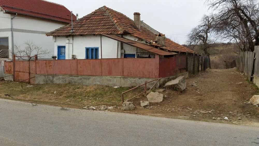Vanzare  casa  2 camere Mehedinti, Jidostita  - 14000 EURO