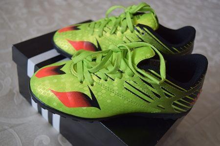 Adidasi superbi fotbal, original, de firma Adidas - Messi
