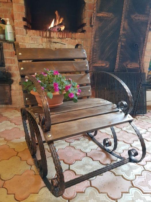 Balansoar , fier forjat, scaun, masa ,gradina terasa