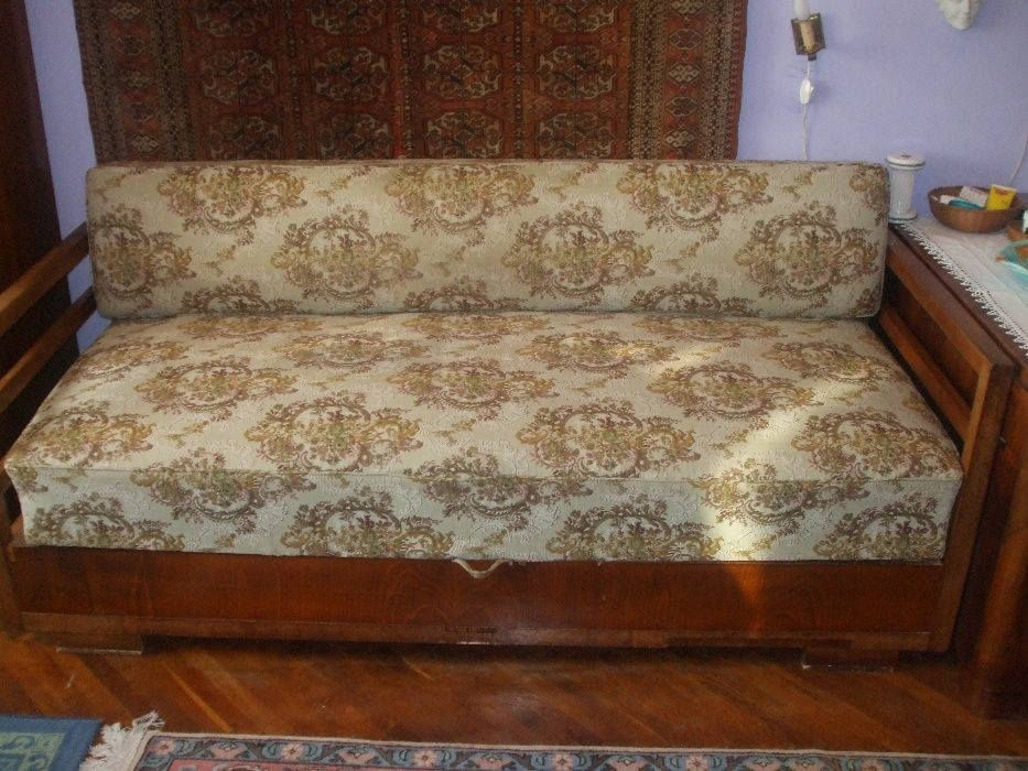 Canapea stil Art Deco din perioada interbelica