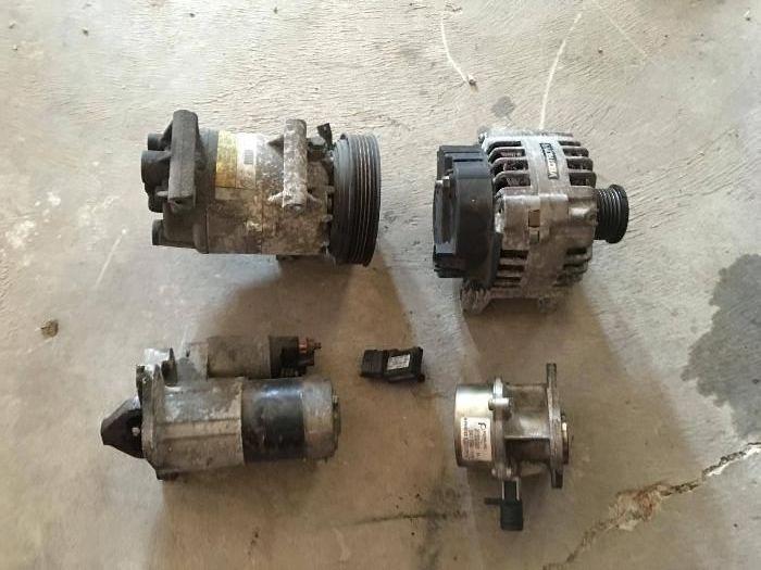 Compresor Ac alternator electromotor vacum Renault 1.5 dci euro 4