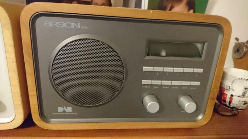 Radio FM de calitate Argon DAB1. In stare foarte buna.