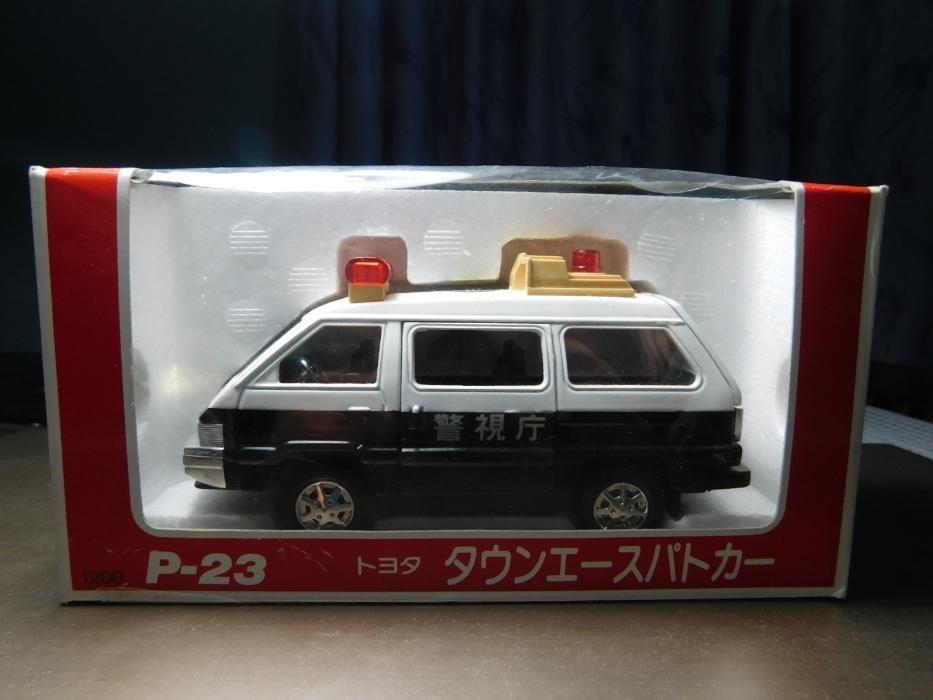 macheta Japonia Toyota Town Ace Politie sau Nissan sedan Gloria