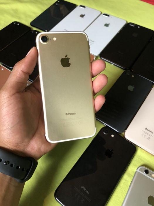 IPhone 7 32GB Gold com cabo