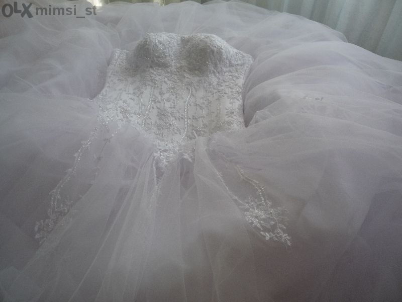 Булченска рокля, бяла, корсет в дантела