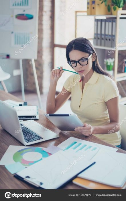 Gráfica admite uma Assistente de Administração Marketin/publicid/venda