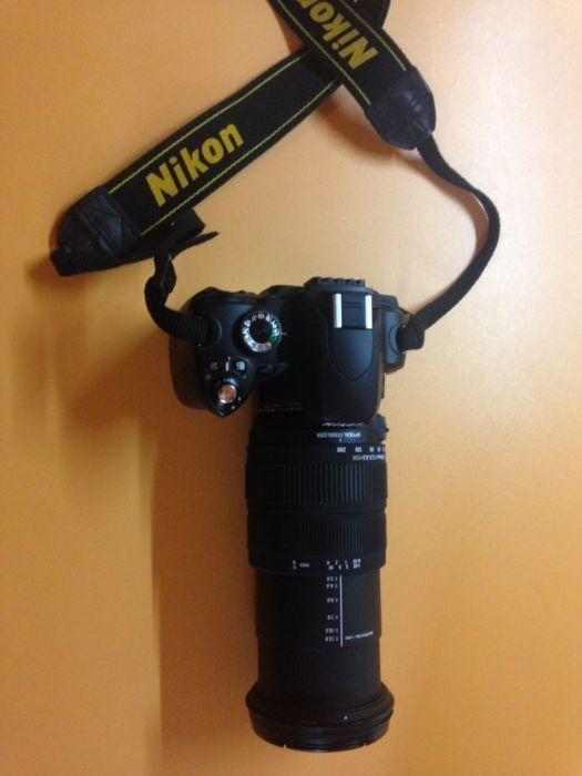Vand Nikon D60 + obiectiv Sigma 18-200