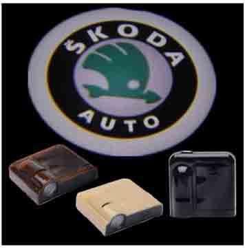 Подсветка в двери с логотипом Skoda