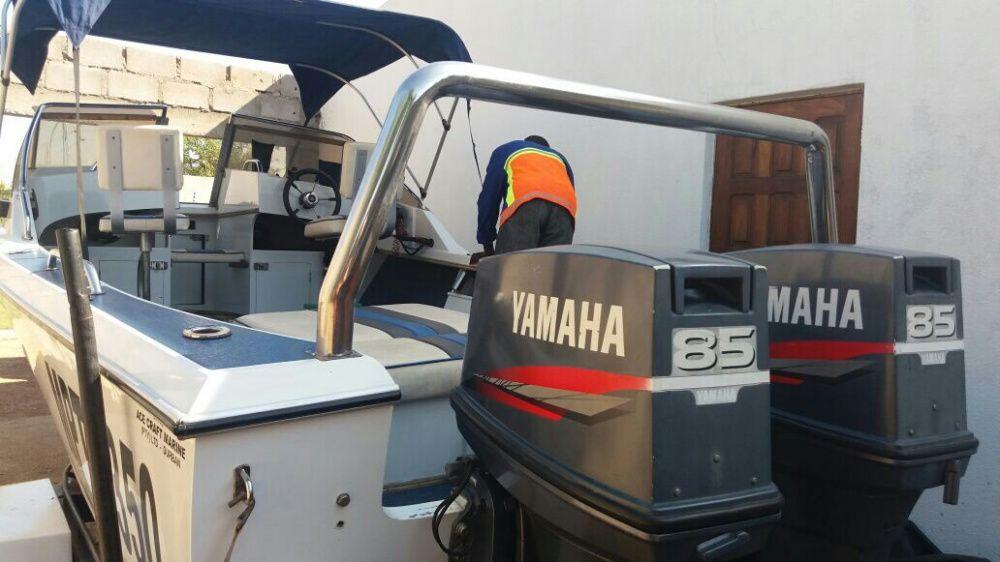 Barco de Marca Yamaha...din.1.2