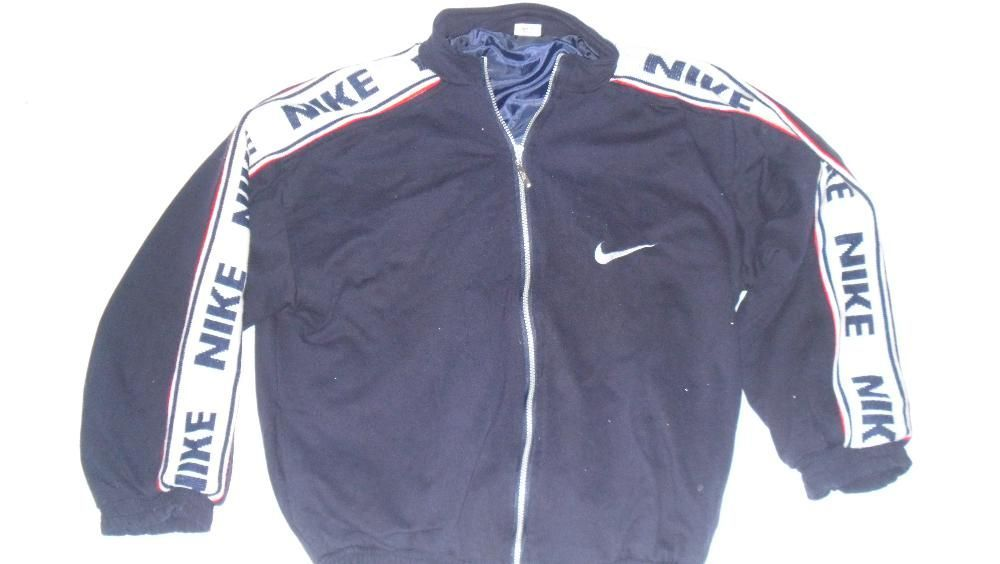 Geaca Nike nr.XL cu captuseala albastru inchis