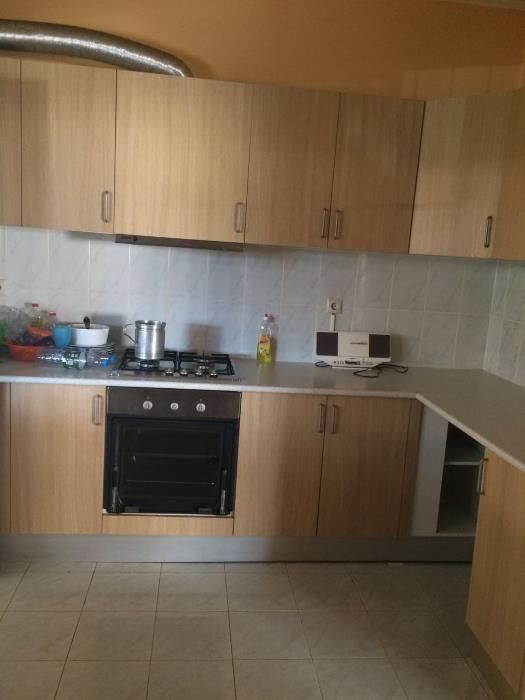 Arrendo vivenda T3. 1 suite. Condomínio Gira sol de Luanda sul. Viana